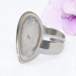Nemesacél gyűrű alap csepp alakú foglalattal, cakkos peremmel
