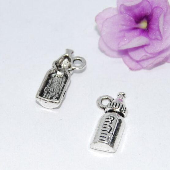 Ezüst színű cumisüveg charm fityegő