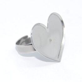 Nemesacél gyűrű alap szív alakú foglalattal
