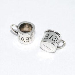 Ezüst színű baba bögre charm fityegő