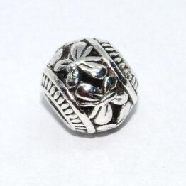 Ezüst színű pillangós köztes gyöngy