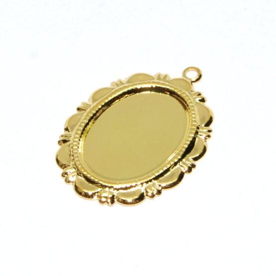 Nemesacél arany színű ovális medál alap mintás szegéllyel