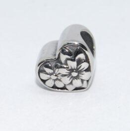 Nemesacél Pandora stílusú gyöngy virágos szív II.